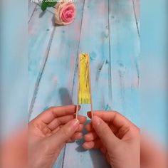 Creative ideas about paper crafts. Informations About Creative Idea Paper Crafts. Diy Crafts For Gifts, Diy Home Crafts, Diy Arts And Crafts, Cute Crafts, Diy Crafts Videos, Creative Crafts, Crafts For Kids, Diy Videos, Easy Crafts
