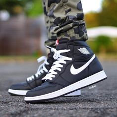 """Air Jordan 1 High """"Yin Yang"""" (Black)"""