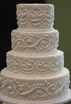 The art of Piping - a lovely pearl cake!
