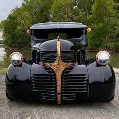 Custom Pickup Trucks, Classic Pickup Trucks, Old Pickup Trucks, Dodge Pickup, Cool Trucks, Big Trucks, Cool Cars, Accessoires De Jeep Wrangler, Old Dodge Trucks