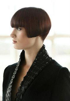 Looking for the cutest bob hairstyles? Here are Adorable French Bob Haircuts You Must See! French bob hairstyle is a really unique and iconic short haircut Cute Bob Hairstyles, Medium Bob Hairstyles, Trendy Haircuts, Short Bob Haircuts, Haircuts For Long Hair, Haircuts With Bangs, New Haircuts, Vintage Hairstyles, Medium Hair Cuts
