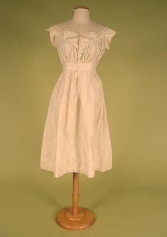 LADY'S WHITE COTTON CHEMISE, 1865-1880s -Tasha Tudor collection auction Lot 414 $69