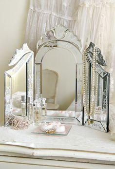 Jennelise: Mirror Romance
