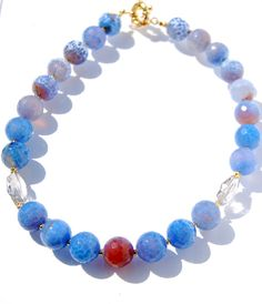 Beautiful agate round faceted bead necklace.