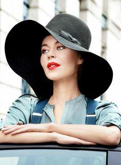 #PFW Ulyana Sergeenko. Street Style at Paris Fashion Week, Ready-to-Wear Spring 2014. Photo: Claudia Fessler