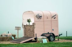 article on UK woman who converted a horse trailer into prosecco bar