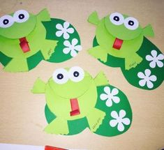 Crafts,Actvities and Worksheets for Preschool,Toddler and Kindergarten.Lots of worksheets and coloring pages. Frog Crafts Preschool, Pond Crafts, Frog Activities, Preschool Art Projects, Toddler Art Projects, Kindergarten Crafts, Art Activities For Kids, Toddler Crafts, Paper Bag Crafts