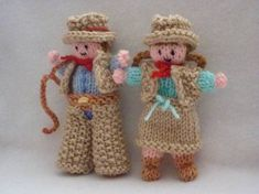 How to make a little, knitted cowboy and cowgirl - Salty Sam's Fun Blog for Children - Post 317 Geysers * LOADS OF COOL STUFF FOR KIDS * KIDS CRAFT TUTORIALS * FREE DOWNLOADS – www.christina-sinclair.com Arm Knitting, Knitting Patterns, Cast Off, Moss Stitch, Cowboy And Cowgirl, Hello Everyone, Craft Tutorials, Cool Kids, Crafts For Kids