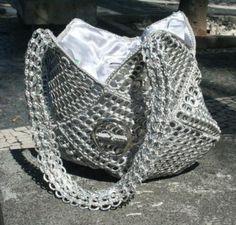 Creo que este bolso puede ser una interesante y elegante opción para aprovechar las anillas