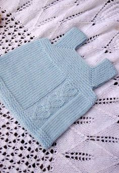 """Ravelry: Мило Bambino модель Джорджи Hallam """"Ravelry: Milo Bambino pattern by Georgie Nicolson"""", """"The first baby clothes I've actually wanted to knit. Baby Knitting Patterns, Knitting For Kids, Crochet For Kids, Knitting Designs, Baby Patterns, Knit Crochet, Knitted Baby, Knit Vest Pattern, Cat Pattern"""