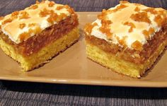 Prajitura cu mere rase si bezea Sweets Recipes, Cake Recipes, Cooking Recipes, Upside Down Apple Cake, German Apple Cake, Romanian Desserts, Yummy Food, Tasty, Food Cakes