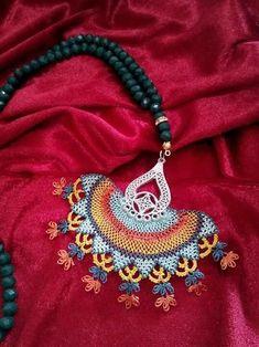 hand-foulard models, # Iğneoyasıfularörneg of # Iğneoyasıtespihmodel of One of the most beautifu Crochet Potholder Patterns, Tatting, Thread Jewellery, Beaded Jewellery, Point Lace, Crochet Accessories, Crochet Lace, Beading Patterns, Crochet Projects