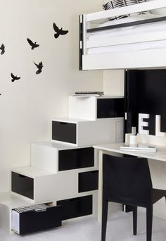 meuble escalier pour mezzanine avec rangements sur mesure. Black Bedroom Furniture Sets. Home Design Ideas