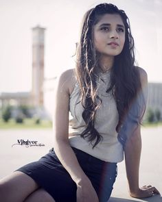 "55.1k Likes, 516 Comments - Kanika Mann (@officialkanikamann) on Instagram: ""@jharokhadesigns always gets me best dressed up ! Haina???"""