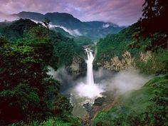 Ecuador, Amazonas, Rio Quijos, Cascadas San Rafael.