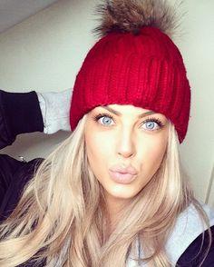 "C H L O É B O U C H E R on Instagram: ""Winter walks ❄️ Hat is from @customvintagedublin #makeup #blogger"""