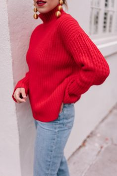 The Perfect Red Holiday Sweater - Gal Meets Glam Winter Chic, Autumn Winter Fashion, Winter Style, Red Sweater Outfit, Gal Meets Glam, Holiday Sweater, Complete Outfits, Red Sweaters, Winter Outfits