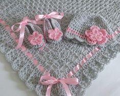 Crochet couverture de bébé bonnet et chaussons carré de