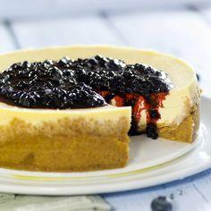 Fantastisk stekt ostekake med blåbærsaus