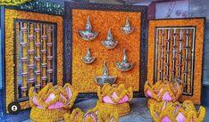 Indoor Wedding Decorations, Housewarming Decorations, Desi Wedding Decor, Backdrop Decorations, Diwali Decorations, Festival Decorations, Flower Decorations, Ganpati Decoration At Home, Indian Decoration