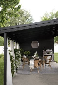 50 Beautiful Pergola Design Ideas For Your Backyard Outdoor Curtains, Outdoor Rooms, Outdoor Dining, Outdoor Decor, Outdoor Patios, Patio Dining, Dining Area, Modern Outdoor Living, Outdoor Bar Table