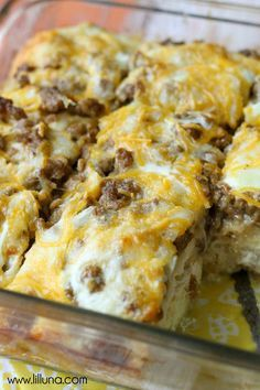 Celebrate breakfast being the most important meal of the day with this collection of 16 Egg Casserole Recipes: Breakfast and Brunch Ideas. This collection of breakfast casserole recipes includes a wide variety of casseroles. Breakfast And Brunch, Breakfast Items, Breakfast Dishes, Morning Breakfast, Breakfast Ideas With Eggs, Breakfast Bake, Best Breakfast Foods, Recipes With Breakfast Sausage, Recipes With Sausage Ground