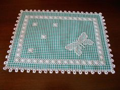 Discover thousands of images about Bordado lateral. Hardanger Embroidery, Ribbon Embroidery, Cross Stitch Embroidery, Embroidery Patterns, Chicken Scratch Patterns, Chicken Scratch Embroidery, Bordado Tipo Chicken Scratch, Gingham Fabric, Embroidery Techniques