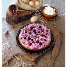 Torta Danese di Nocciole con Crema ai Frutti di Bosco #italianrecipes #italianfood #recipes  #foodphotography