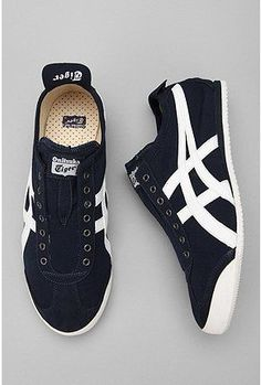 Asics : Mexico 66 Slip-On.  I could see those on some feet #sliponsneakers