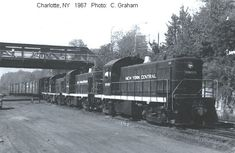 New York Central Railroad, Railroad Pictures, Rail Car, Rolling Stock, Ho Scale, Locomotive, Quad, Places To Go, Train
