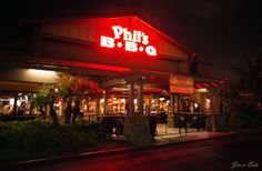 My 3 Favourite Restaurants in San Diego Phils BBQ (Thank you Super-Girl!)