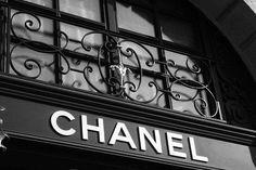 Imagem de chanel, black and white, and black