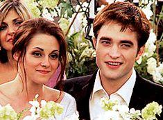 Happy bedward on their wedding day Twilight Saga Series, Twilight Edward, Twilight Cast, Twilight Breaking Dawn, Twilight New Moon, Twilight Movie, Funny Twilight, Twilight Quotes, Twilight Pictures