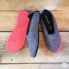 mahabis classic light grey slipper with rjukan red detachable sole // #mahabisselfie