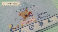 Toalha com capuz bordada ursinho marinheiro