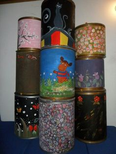 Mobiles, Plastic Drums, Cool Diy Projects, Drum Shade, Storage Containers, Diy For Kids, Ideas Para, Decoupage, Recycling