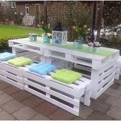 Continuing with my theme #palletdiy I have seen some nice examples today and heard from someone else who's made his own garden accessory which is 'rock solid' I love this outdoor dining area; it look fresh and clean, great colour combo. #colourpallet #outdoorslife #diningset #cleaneating #lovely #palletgarden #palletfurniture