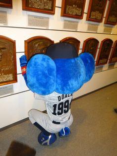 野球殿堂博物館にドアラがやって来た!