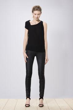 Aimi top black