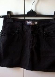 Kup mój przedmiot na #vintedpl http://www.vinted.pl/damska-odziez/spodnice/14033912-czarna-dopasowana-mini