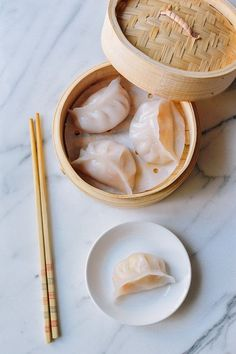 Har Gow/xia jiao - Chinese steamed shrimp dumplings, by thewoksoflife.com