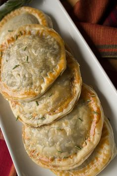 Mushroom Turnovers These savory mushroom turnovers are sure to impress your holiday dinner guests.These savory mushroom turnovers are sure to impress your holiday dinner guests. Appetizer Recipes, Appetizers, Gourmet Dinner Recipes, Vegetarian Recipes, Cooking Recipes, Cooking Rice, Cooking Ideas, Healthy Recipes, Good Food