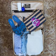 I've mastered packing for practically any type of trip, and I'm sharing my top packing hacks on the blog today >> frontroe.co/2kzEKVe