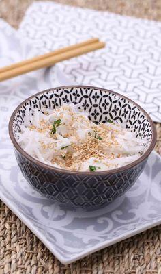 Aujourd'hui, on se laisse inspirer par l'Asie... et plus particulièrement le Japon avec cette recette !  Sortez vos plus beaux bols pour déguster notre salade de radis noir revisitée !