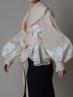 Hand painted organza jacket Silk organza blouse Elegant image 1 – блузка… - Everything About Painting Fashion Details, Look Fashion, Fashion Goth, Latest Fashion, Crazy Fashion, Pet Fashion, Young Fashion, High End Fashion, Vogue Fashion