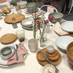 Heute sind wir auf der Ambiente in Frankfurt - hier ein Tisch mit Geschirr von Arzberg. #ambiente  #frankfurt  #2017  #arzberg #und_überhaupt  #andreas_livingathome