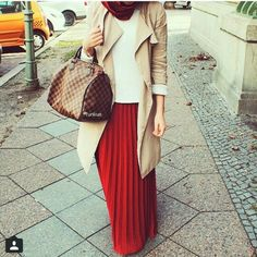 Hijab fashion wear recently became so chic and trendy; Islamic Fashion, Muslim Fashion, Fashion Wear, Modest Fashion, Skirt Fashion, Hijab Look, Hijab Style, Hijab Chic, Maxi Outfits
