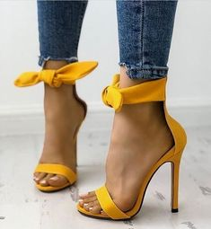 Next Post Previous Post Peep Toe Thick Strap Ankle Tie Stiletto Sandals Peep Toe dicker Riemen Knöchelriemen Stiletto Sandalen Cute Shoes, Me Too Shoes, Pumps Heels, Stiletto Heels, Work Heels, Jeans Heels, Sandal Heels, Peep Toe, High Heels Outfit