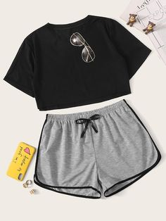 To find out about the Crop Top With Contrast Binding Shorts PJ Set at SHEIN, part of our latest Pajama Sets ready to shop online today! Lazy Outfits, Teen Fashion Outfits, Cute Casual Outfits, Girl Outfits, Cute Pjs, Cute Pajamas, Satin Pyjama Set, Pajama Set, Cute Sleepwear