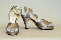 "Oyster silk satin shoes, American, 1940's. Label: [imprint] ""CORT DE LUXE, Ltd. New York (Gotham)"""